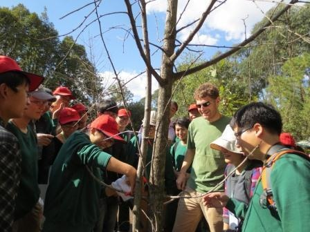 ...followed by lots of practical work in the afternoon at Kunming BG