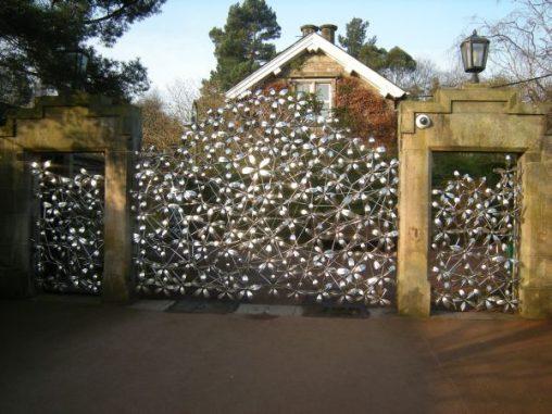 East gate modelled on R calophytum