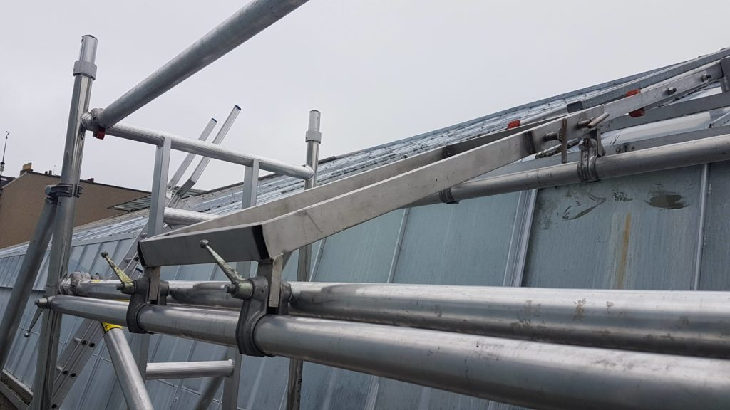 Research house roof ladder system
